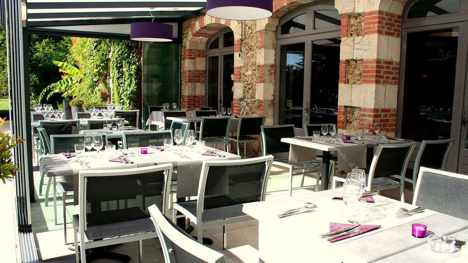 Château de Buros - EDIT_restaurant.jpg