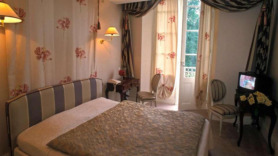 Château de Buros - edit_room4.jpg