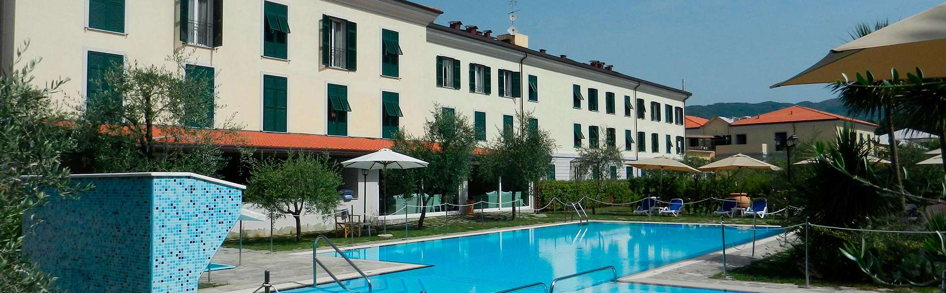 Santa Caterina Park Hotel - edit_front_pool.jpg