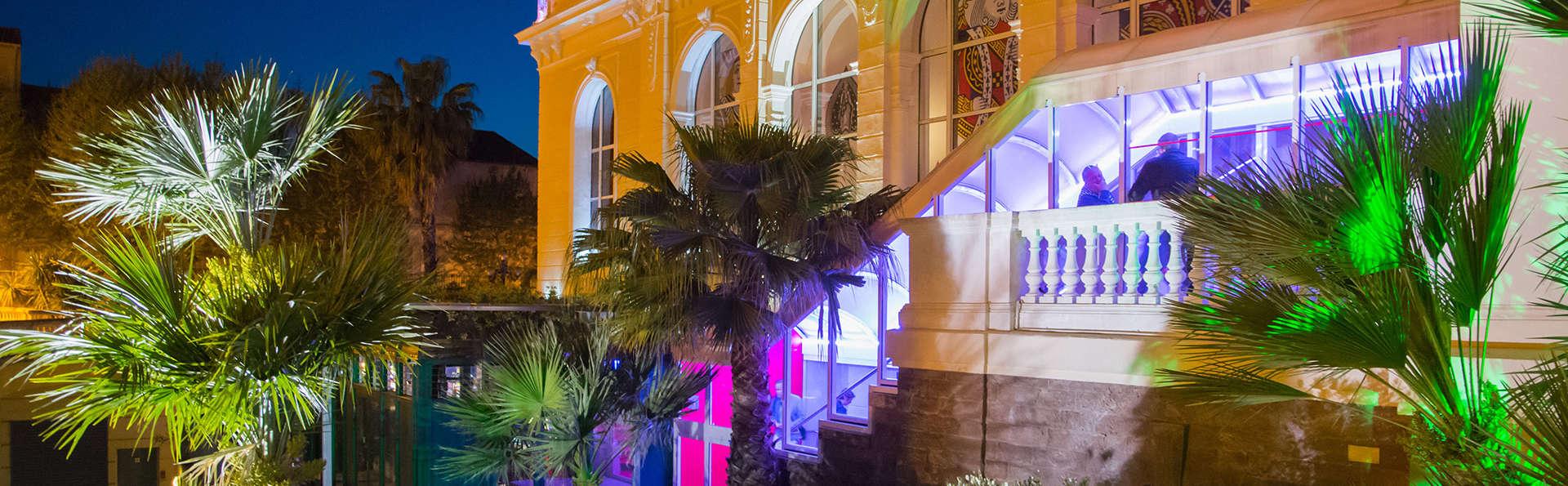 Casino Hôtel des Palmiers - EDIT_frontgarden.jpg