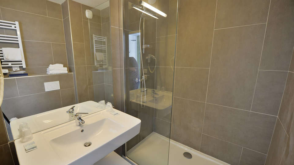 Quality Hotel du Golf Montpellier Juvignac - edit_bathroom.jpg