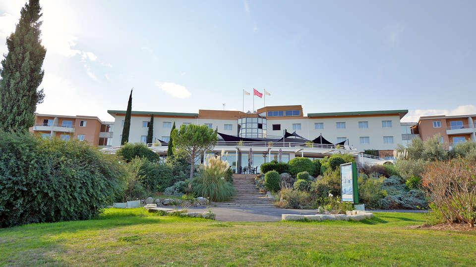 Quality Hotel du Golf Montpellier Juvignac - edit_facade1.jpg