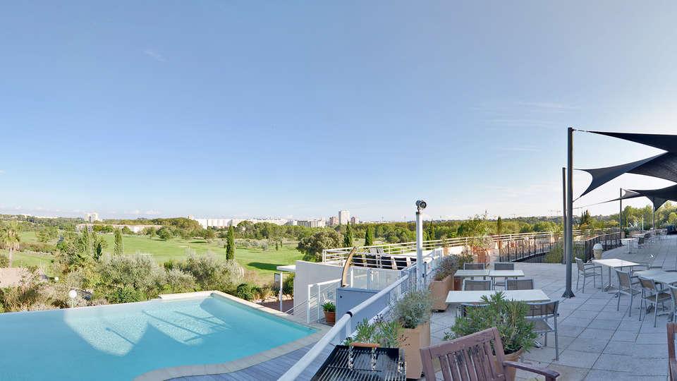 Quality Hotel du Golf Montpellier Juvignac - edit_terras_garden.jpg