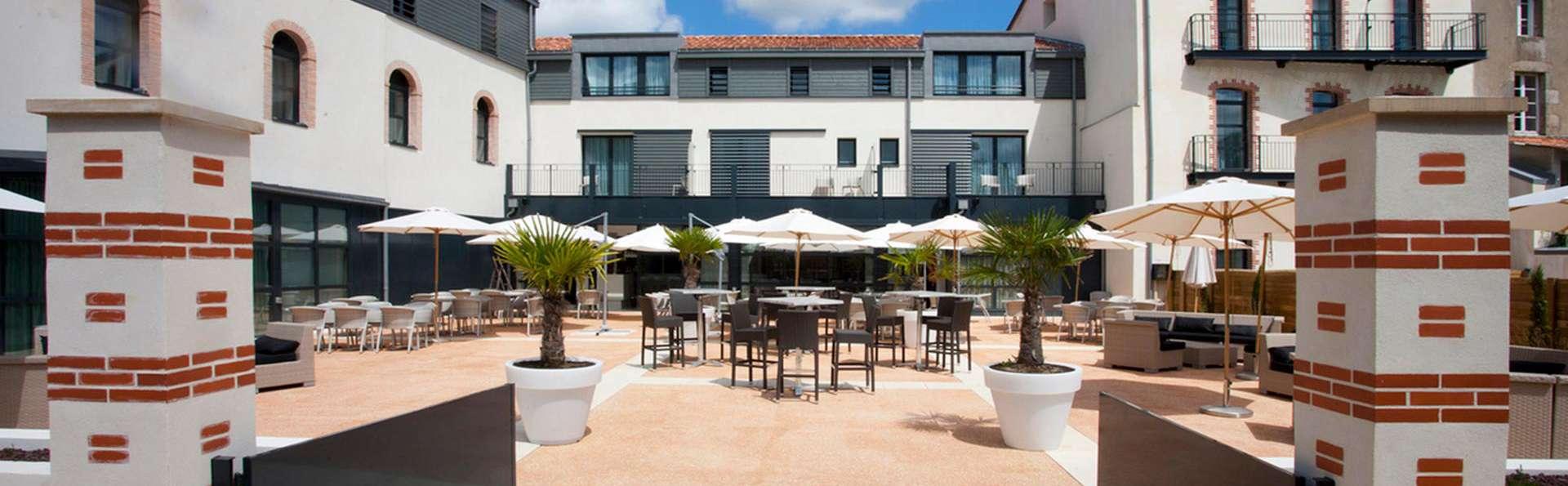Best Western Plus Hôtel et Spa Villa Saint Antoine - edit_patio2.jpg