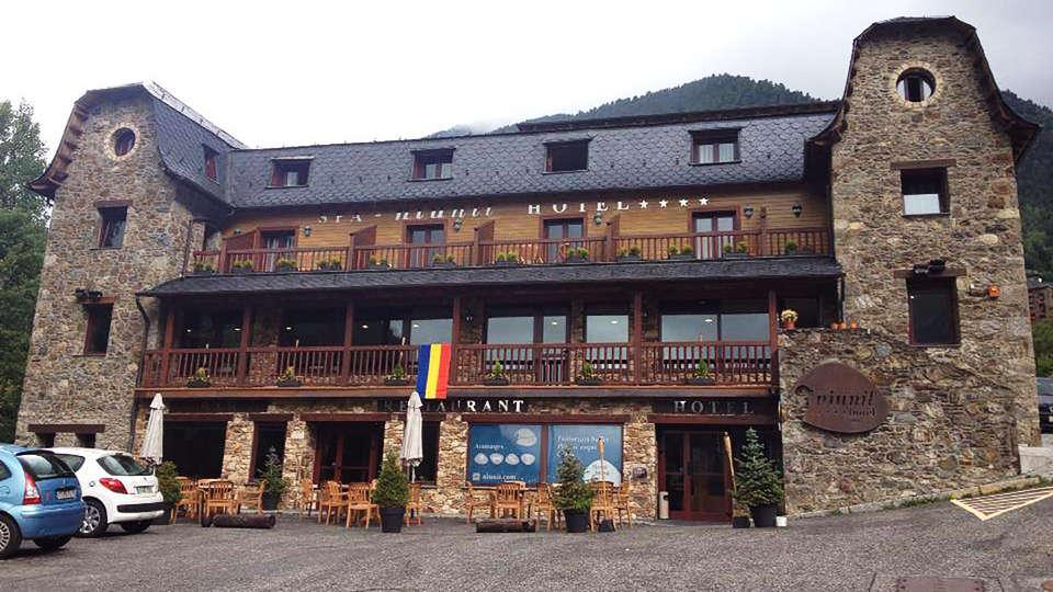 Hotel & Spa Niunit - EDIT_front.jpg