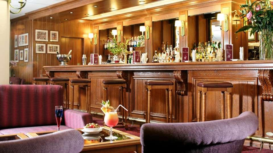 Najeti Hôtel du Parc - edit_bar1.jpg