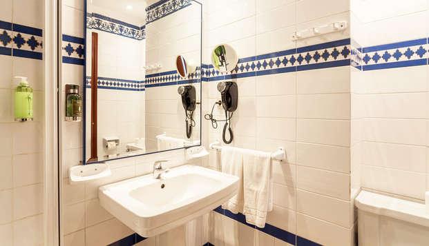 Hotel Baco - bath
