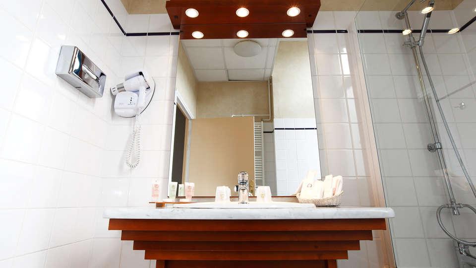 Best Western Hôtel Hermitage - EDIT_bath1.jpg