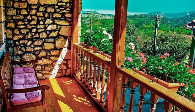 Escapada romántica en los Picos de Europa con cena de tapas típicas asturianas (desde 2 noches)