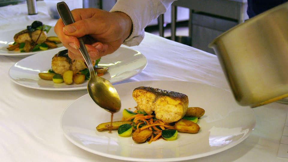 Logis d'exception le Château de Sable - edit_restaurant2.jpg
