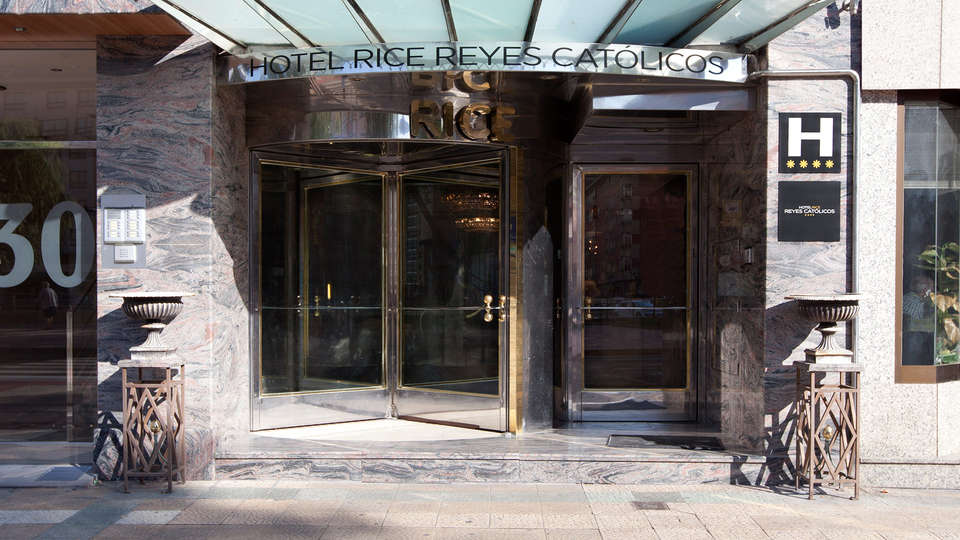 Hotel Rice Reyes Católicos - EDIT_front.jpg