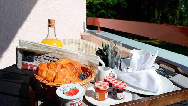 Relais du Silence Clos St Eloi - breakfast