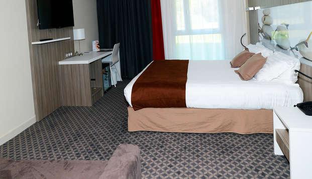 Hotel The Originals Clos St Eloi ex Relais du Silence - room
