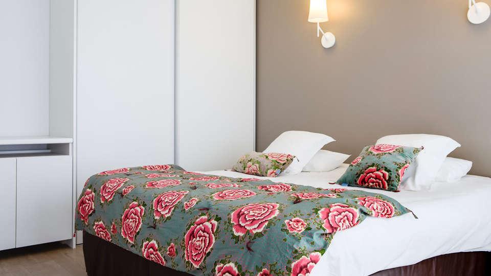 Golden Tulip Roscoff Hôtel & Spa - EDIT_room.jpg