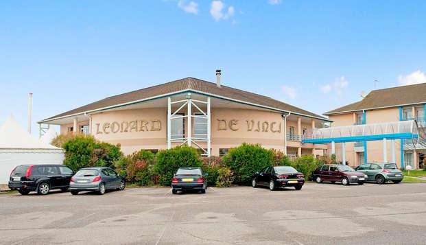Hotel Leonard De Vinci - front