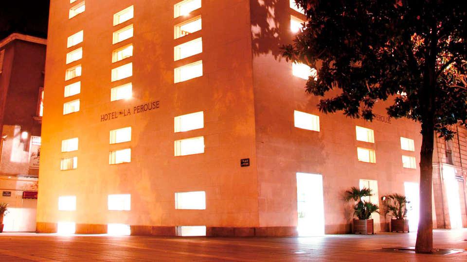 Hôtel La Pérouse - EDIT_front1.jpg