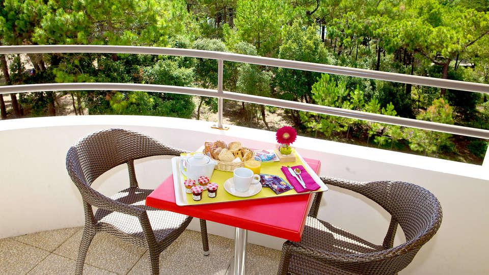 Hôtel Atlantic Thalasso Valdys - Edit_Terrace.jpg