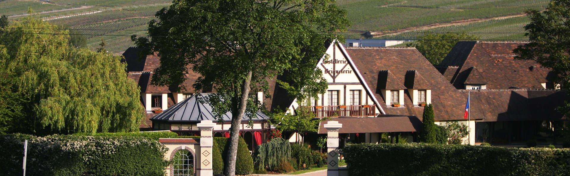 Hostellerie La Briqueterie - EDIT_front1.jpg
