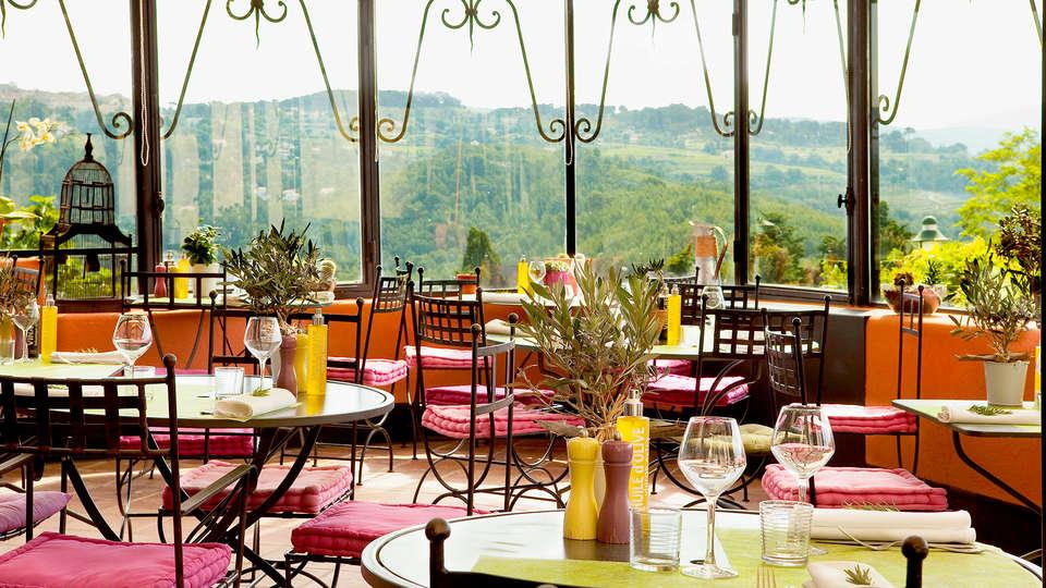 Boutique Hôtel - Hostellerie Bérard & spa  - Edit_Terrace.jpg