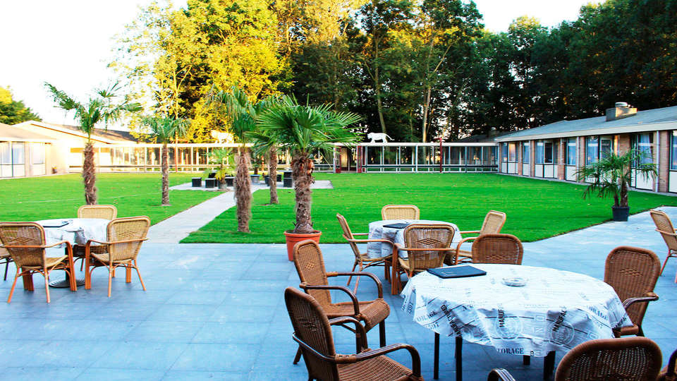 Hotel de Elderschans Aardenburg - EDIT_terrace1.jpg
