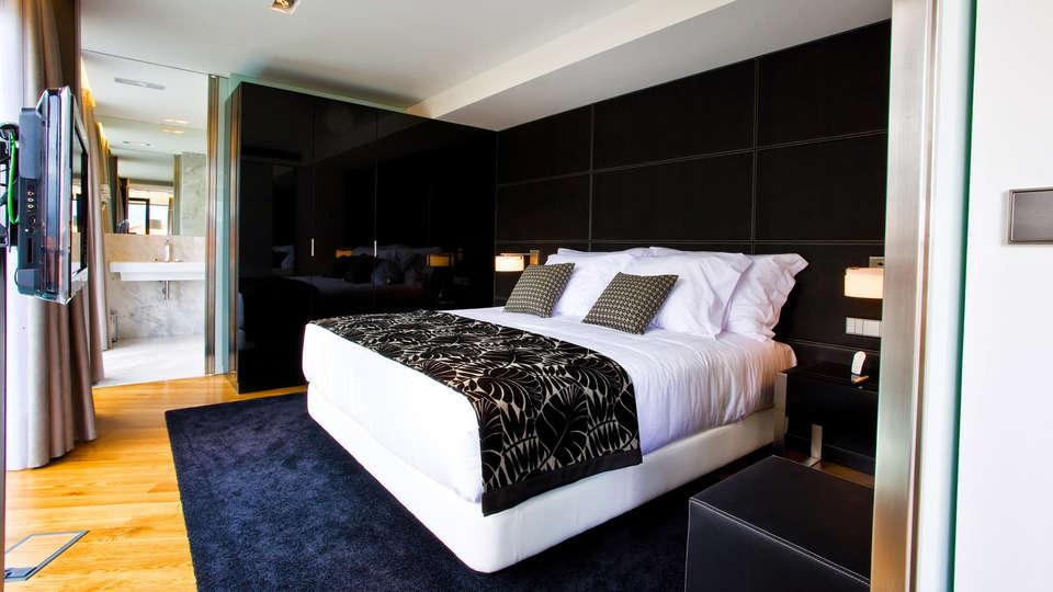 Hotel Inffinit Vigo - Edit_suite.jpg