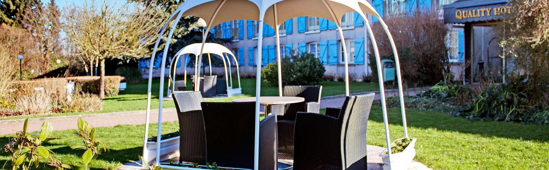 Qualys Hotel Rouen - EDIT_garden.jpg