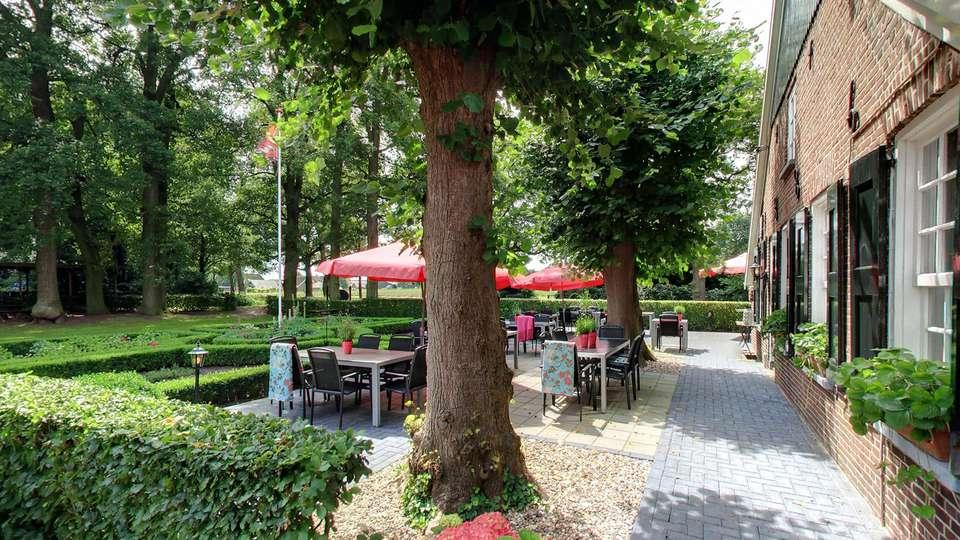 Hotel Boerderij Restaurant De Gloepe - EDIT_terrace2.jpg