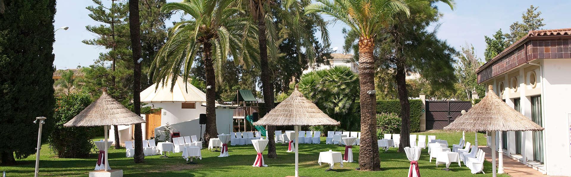 Hotel Jerez & Spa - edit_garden.jpg