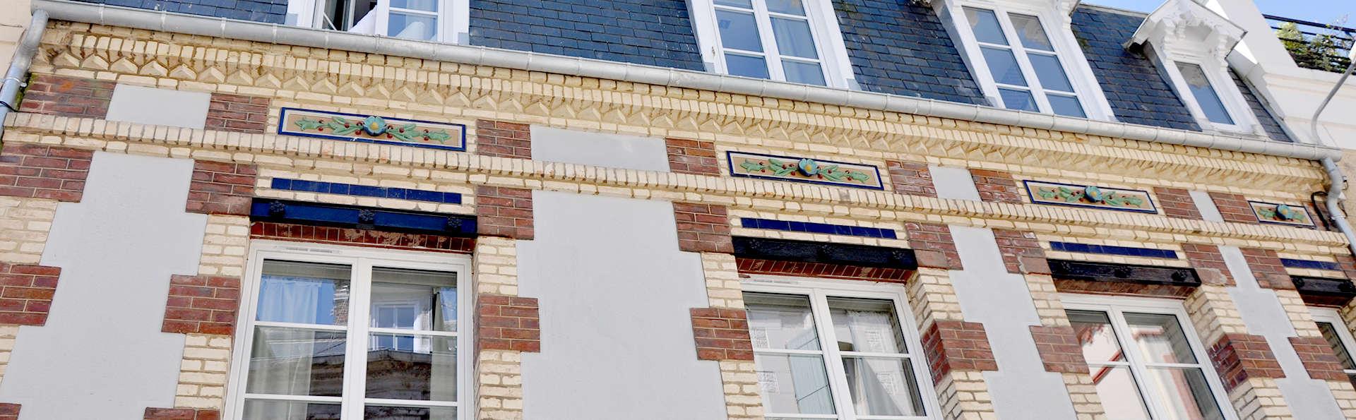 Hôtel Les 2 Villas - Edit_Front3.jpg