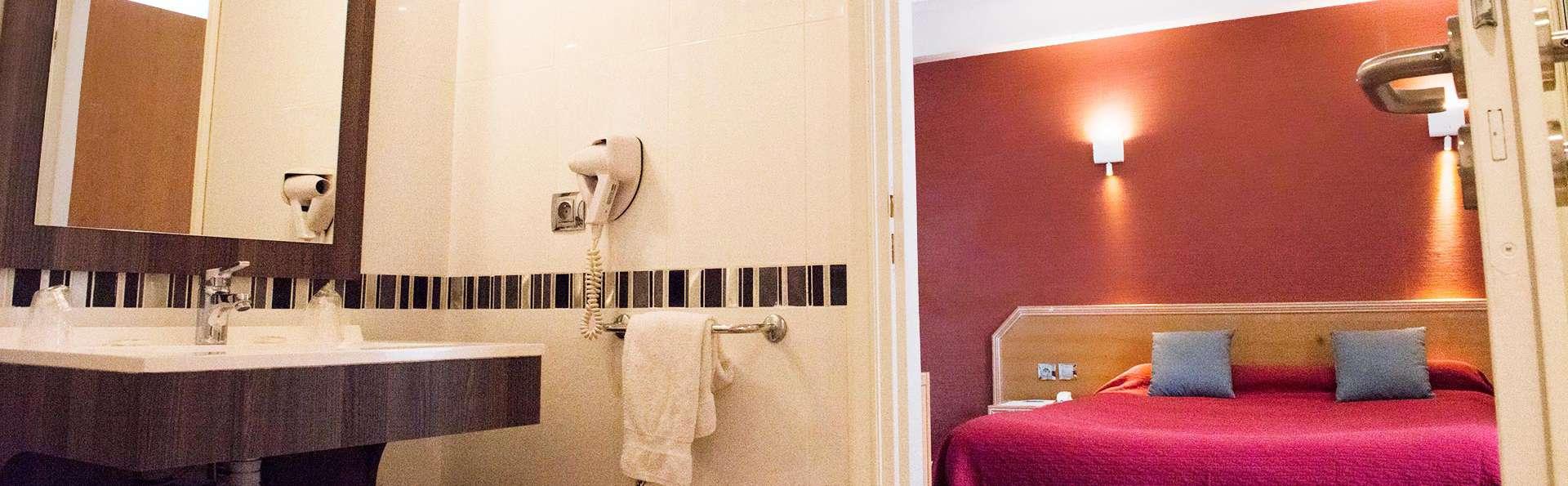 Hôtel Restaurant Le Tivoli - EDIT_bath.jpg
