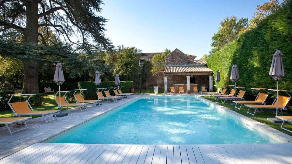 Villa Augusta - edit_pool4.jpg