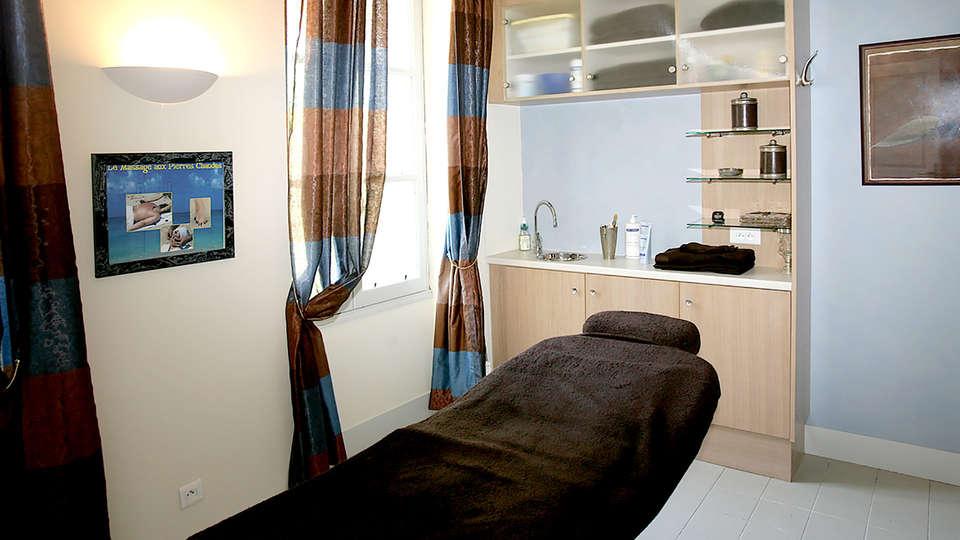 Pavillon du Château - Edit_Massage.jpg