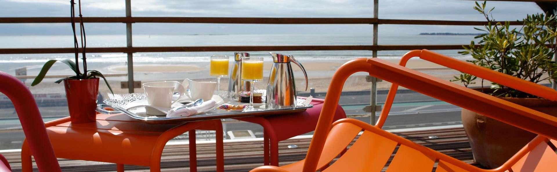 Le Régent et Spa - EDIT_breakfasterrace.jpg