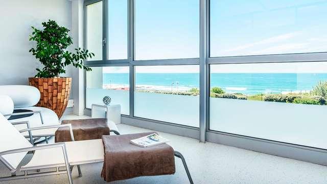 Relájate con tratamientos de wellness en una habitación superior en Biarritz