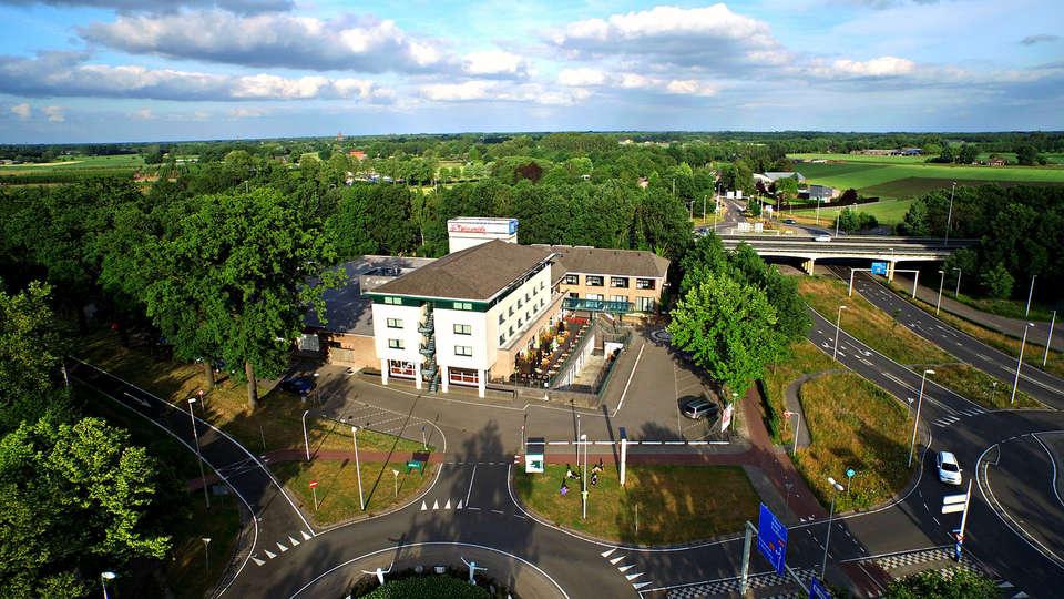 Hotel de Druiventros - Edit_View.jpg