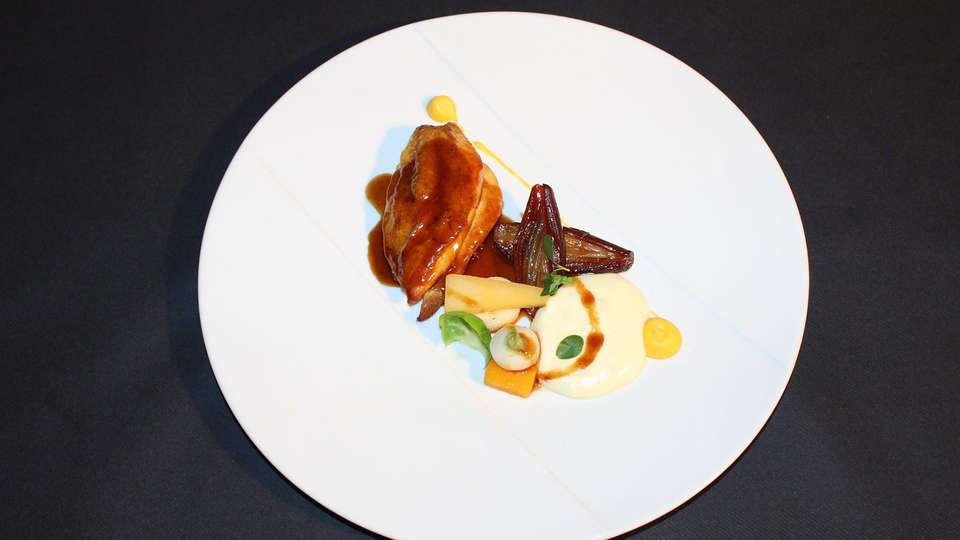 Hôtel Loire et Sens - Edit_Dinner.jpg