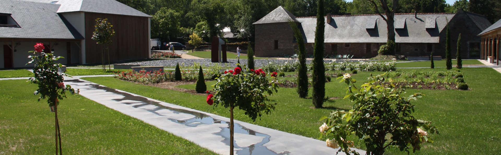 Hôtel Loire et Sens - Edit_Garden.jpg