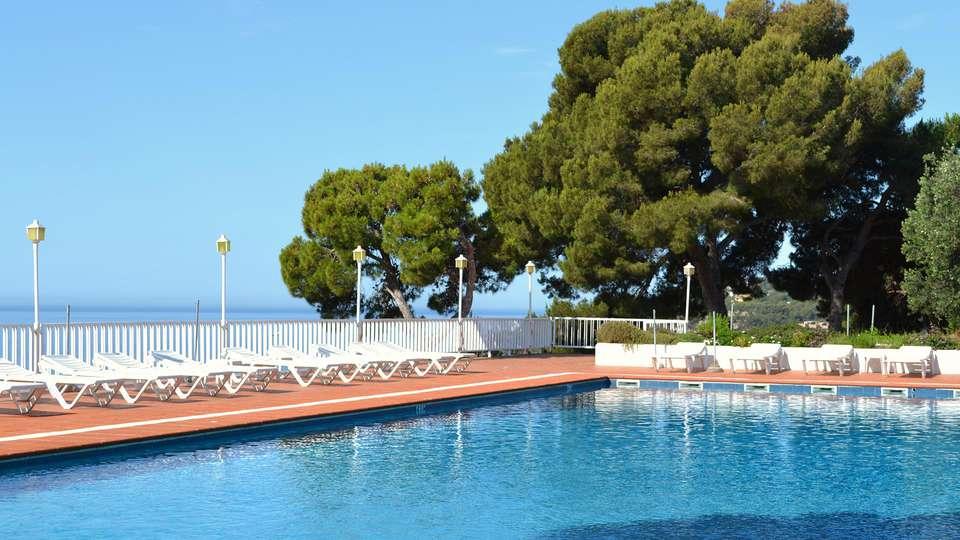 Hotel Roger de Flor Palace - EDIT_NEW_pool.jpg