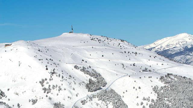 Desconecta en Bagà y disfruta de la nieve con forfait para La Molina