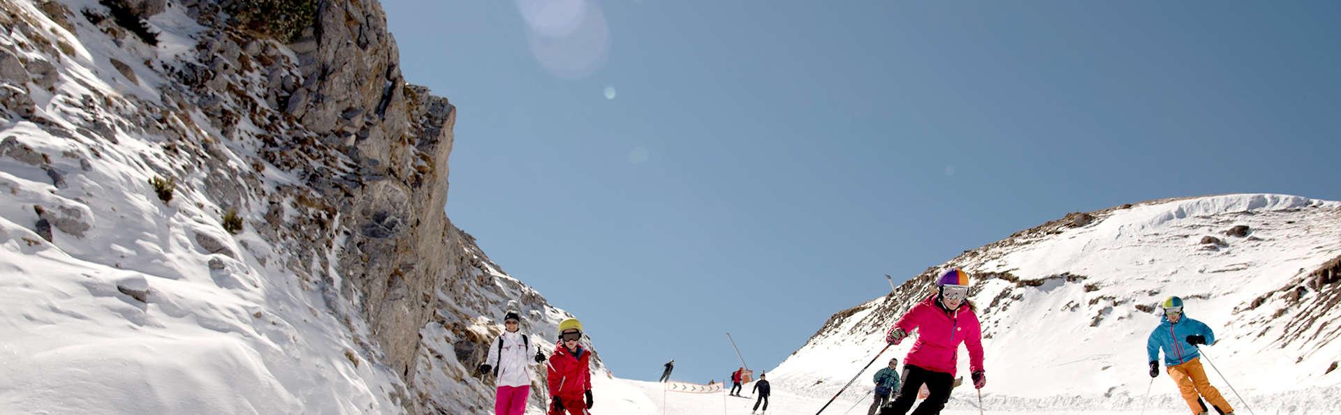 Escapada a la nieve en media pensión en las pistas d'esquí La Molina