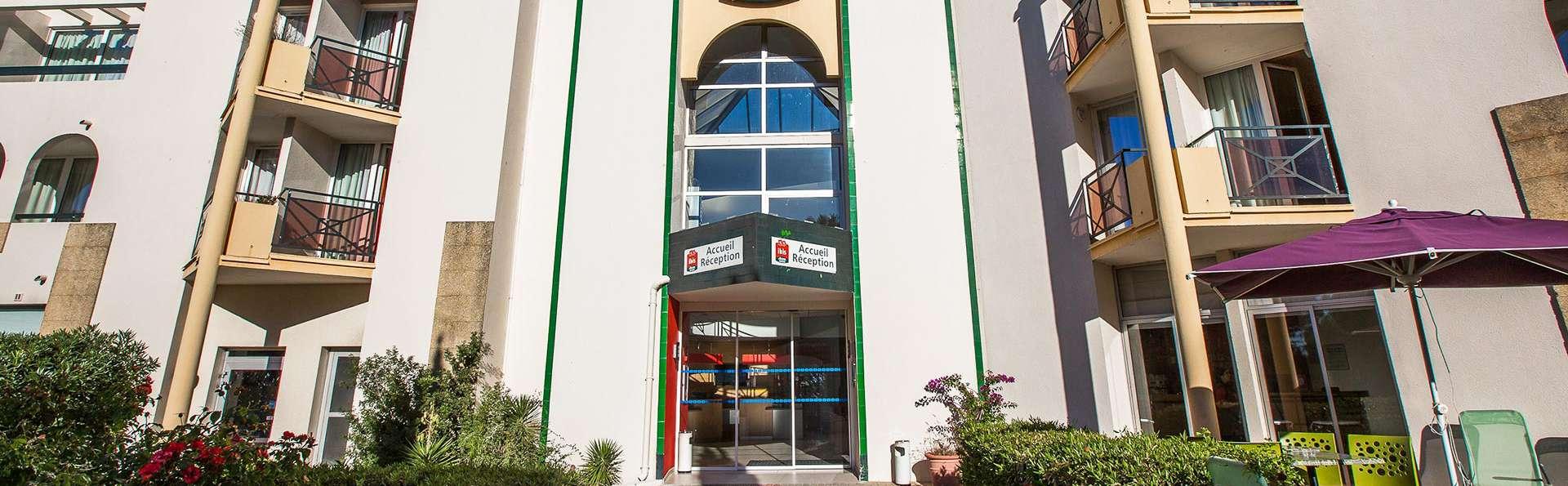Hôtel Ibis Balaruc - EDIT_front.jpg