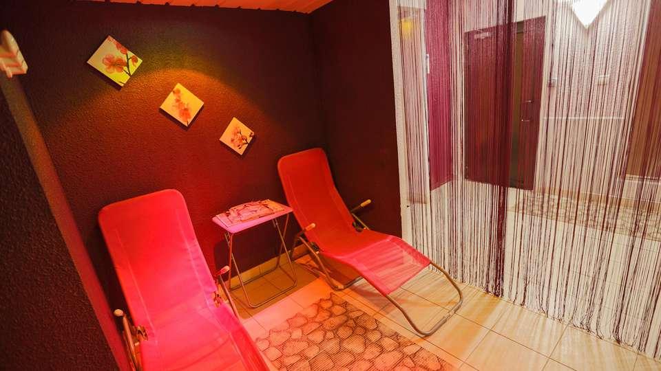 Hôtel Ibis Balaruc - EDIT_relaxroom.jpg