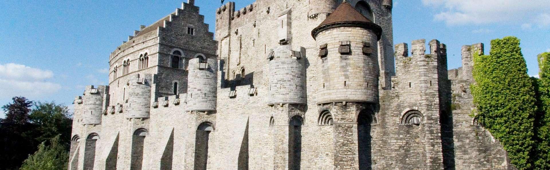 Descubre Gante paseando en barco o visita el Castillo de los Condes de Flandes (desde 2 noches)
