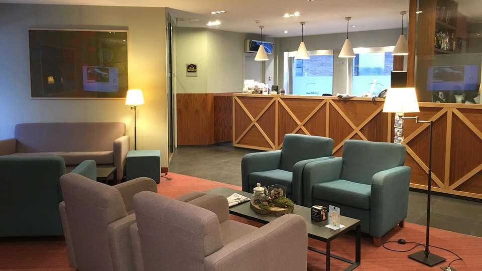 Best Western Hotel Chamade - EDIT_lobby.jpg