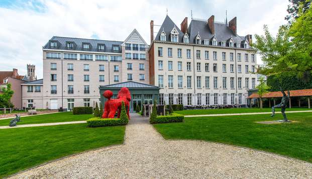 Hotel Dukes Palace - front