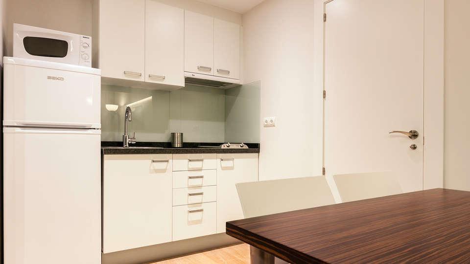 Aparthotel Playa Oliva - edit_kitchen.jpg