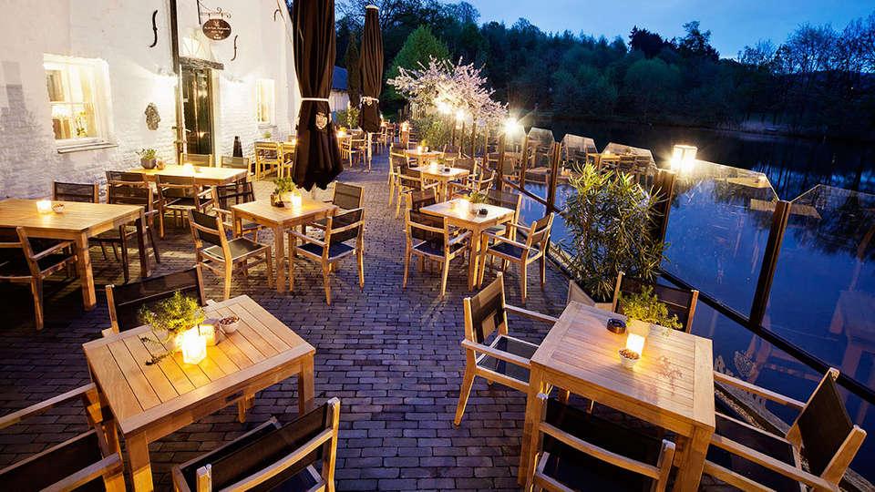 Bilderberg Kasteel Vaalsbroek  - EDIT_terrace.jpg