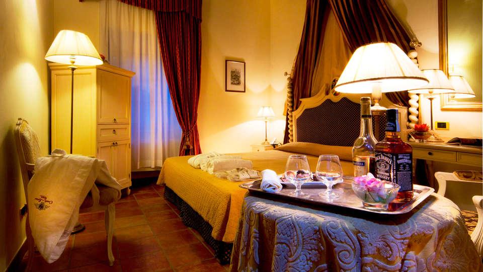 Castello di Leonina Relais - EDIT_room2.jpg