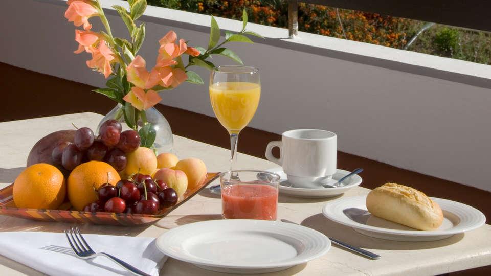 Albayt Resort & Spa - edit_breakfast.jpg
