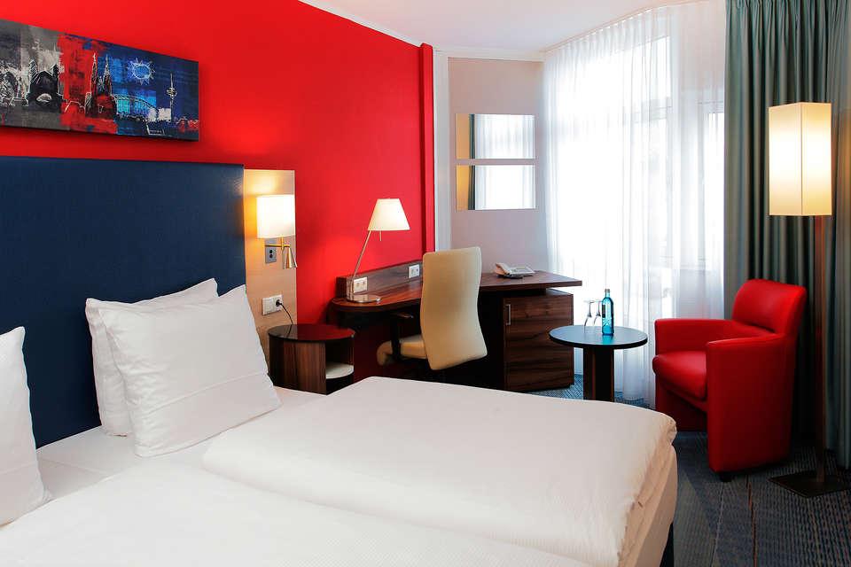 H+ Hotel Köln Brühl - edit_zimmer_04_ramada_hotel_bruehl-2.jpg